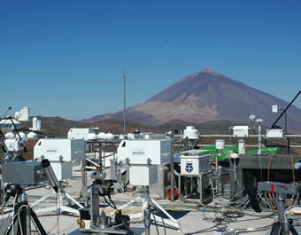 Terrace of the Izaqa Observatory (IZO) during a spectral UV instrument intercomparion